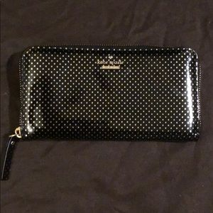 Authentic *new* Kate Spade polka dot wallet!